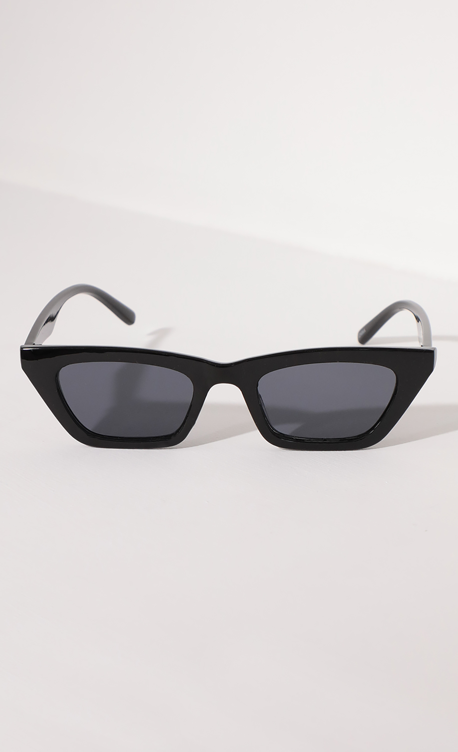 Skinny Cat Eye Sunglasses in Black