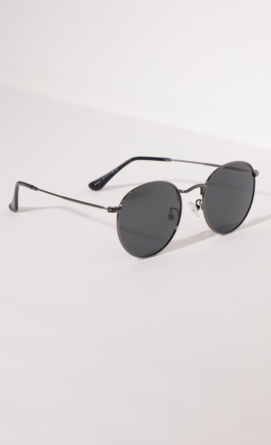 Jessica Round Trim Sunglasses in Black And Silver