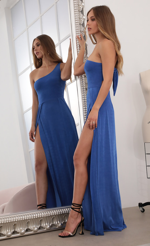 London Shoulder Maxi in Klein Blue