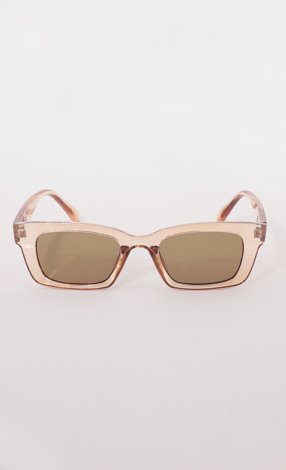Henrietta Classic Sunglasses in Peach