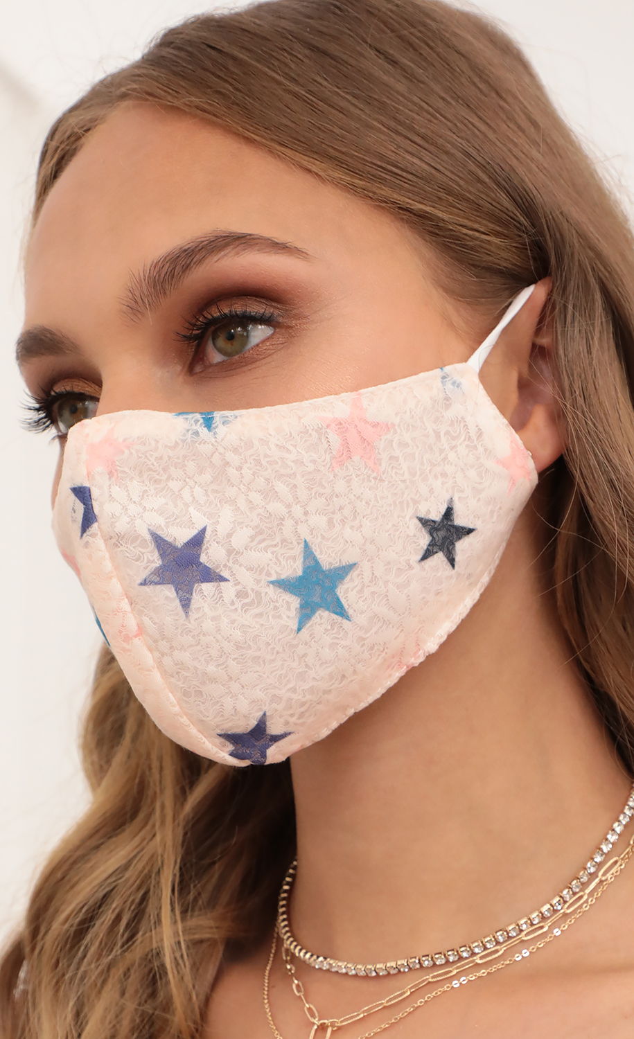 Lace Stars Printed Mask in Baby Pink