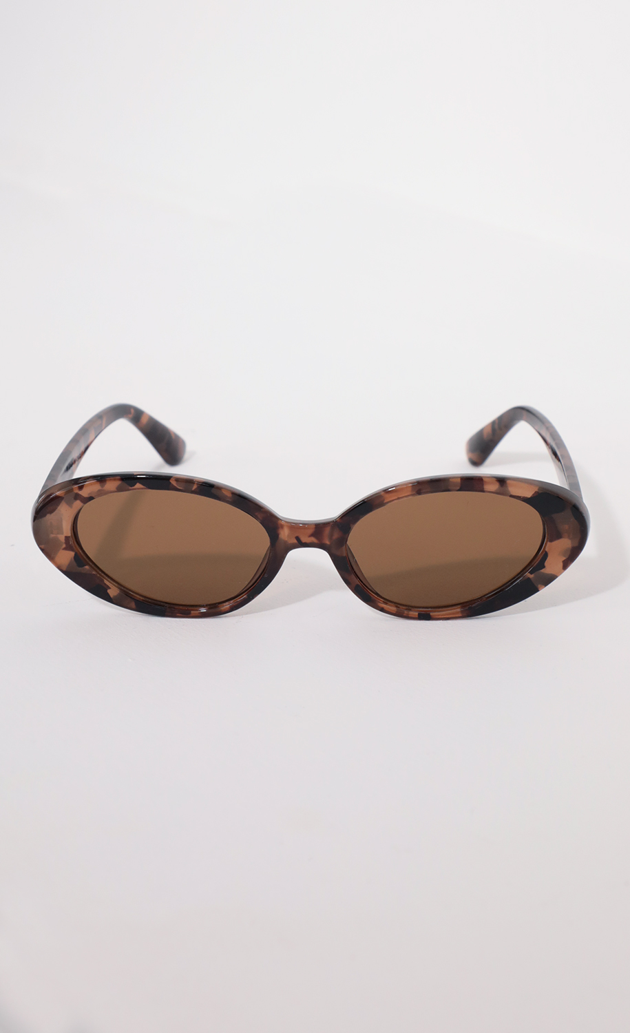 The Jet Setter Sunglasses in Tortoiseshell