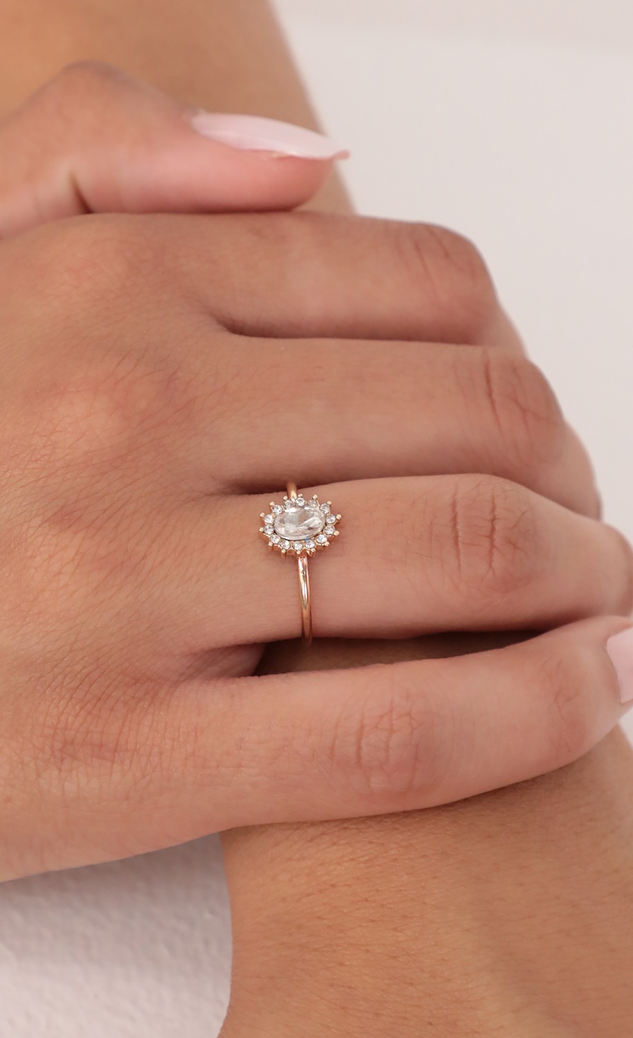 Diamante Oval Ring in Gold