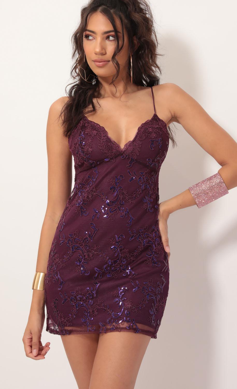 Ellie Sequin Scallop Lace Dress in Plum