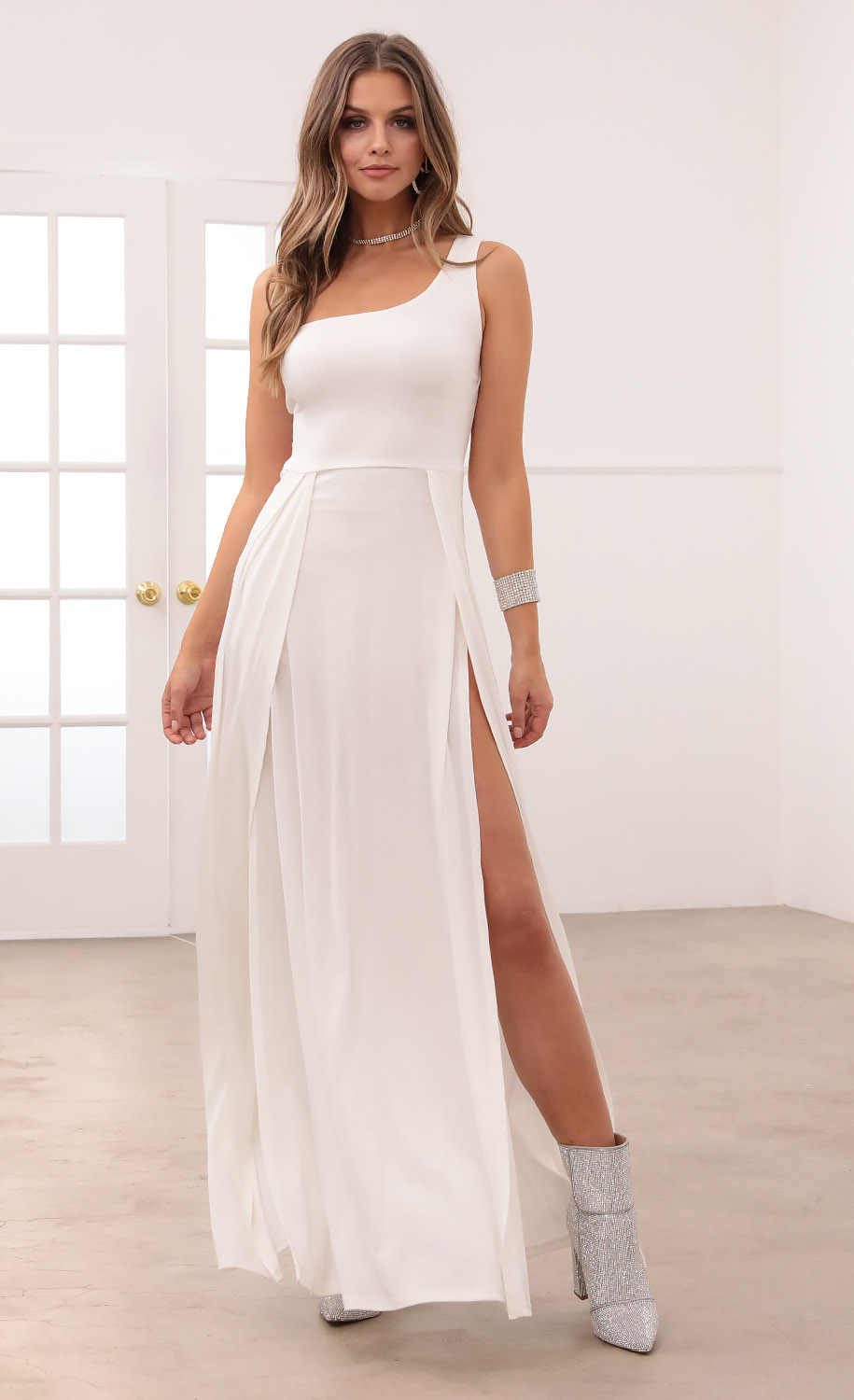 London Shoulder Maxi in White