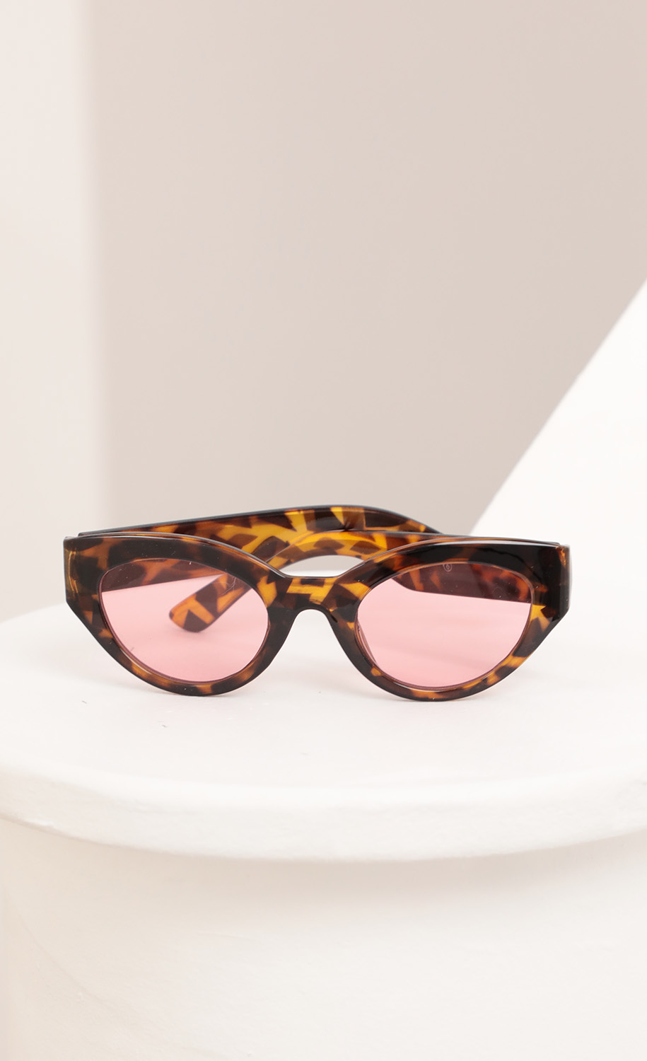 Jade Cateye Sunglasses in Tortoise and Pink