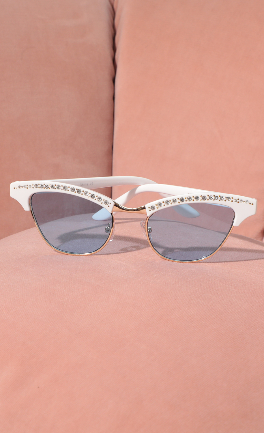 Alexis Cat-Eye Sunglasses in White