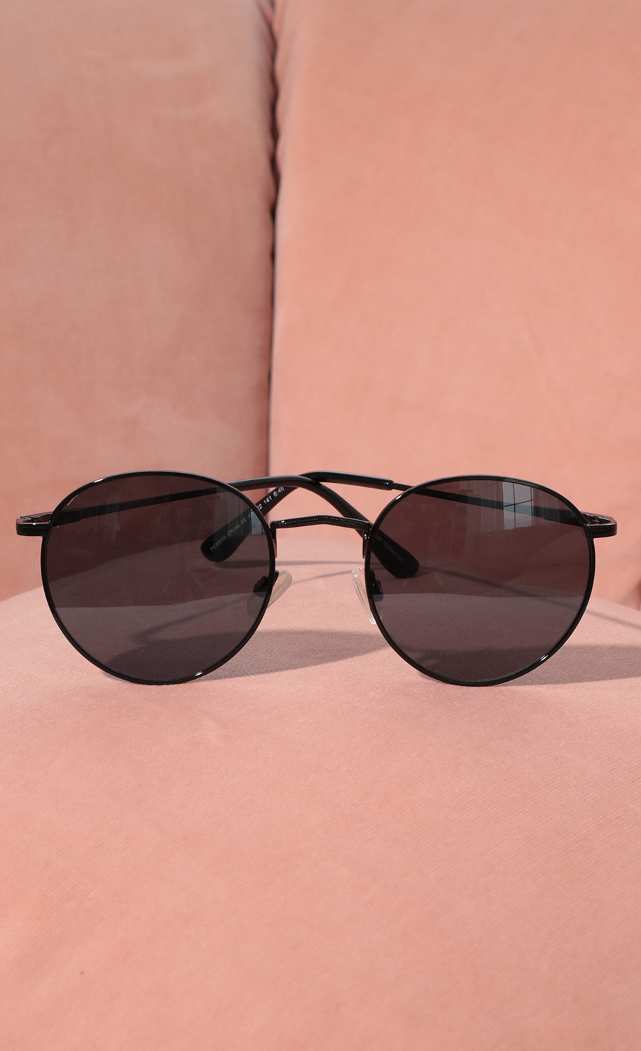 Jessica Round Trim Sunglasses in All Black