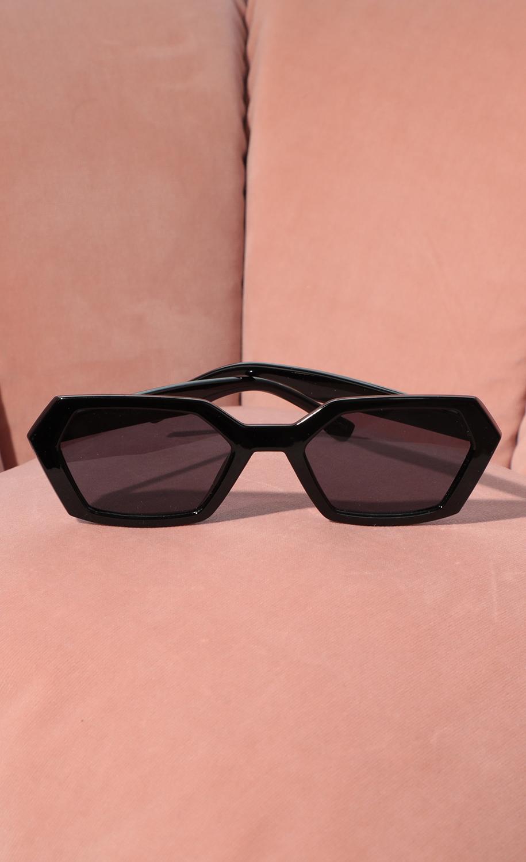 Geometric Trendy Sunglasses in Black