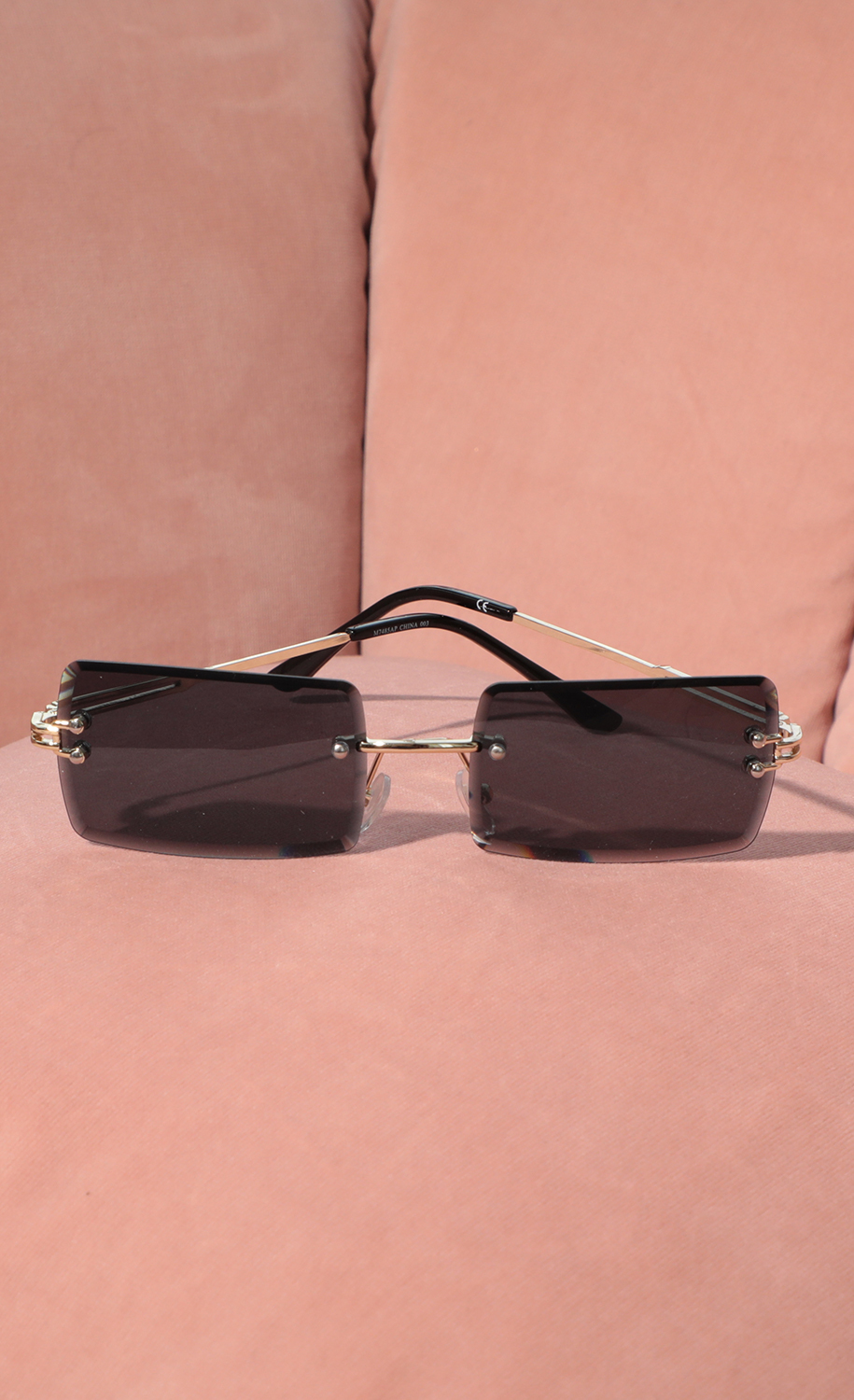 90s Baby Rectangle Sunglasses in Black