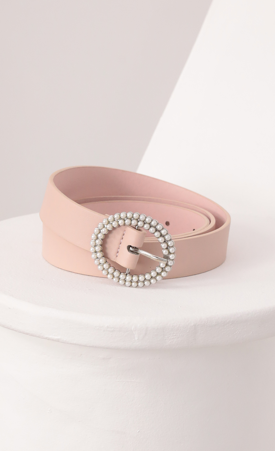 Pearl Buckle Belt in Nude