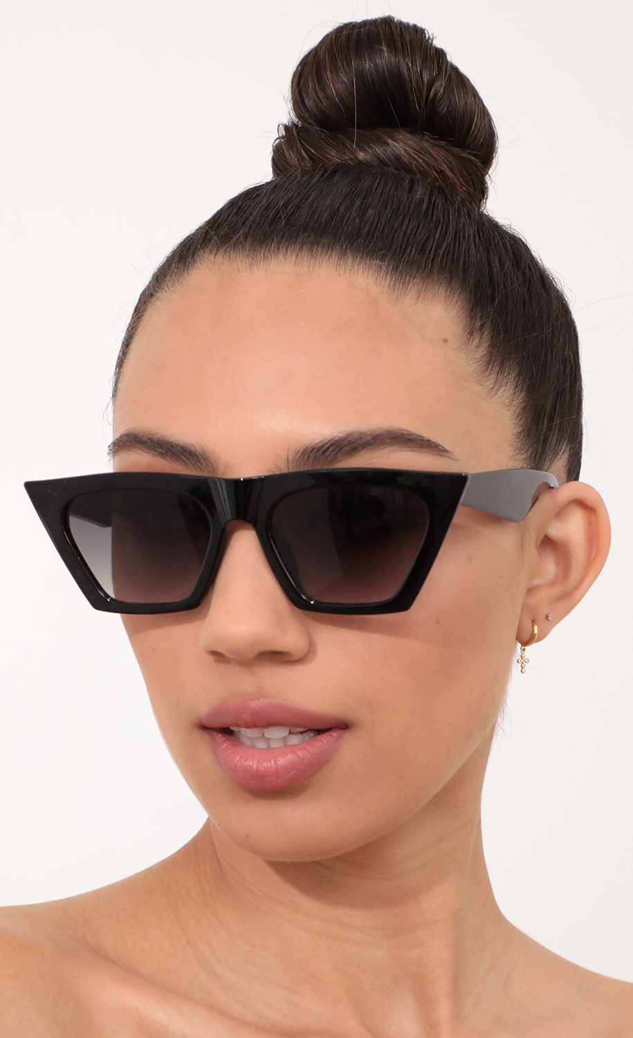 Phoebe Square Cat-Eye Sunglasses in Black