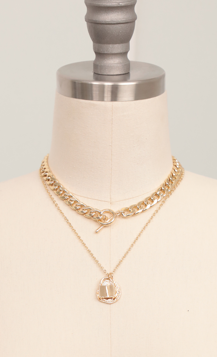 Two-Layer Necklace Set in Gold