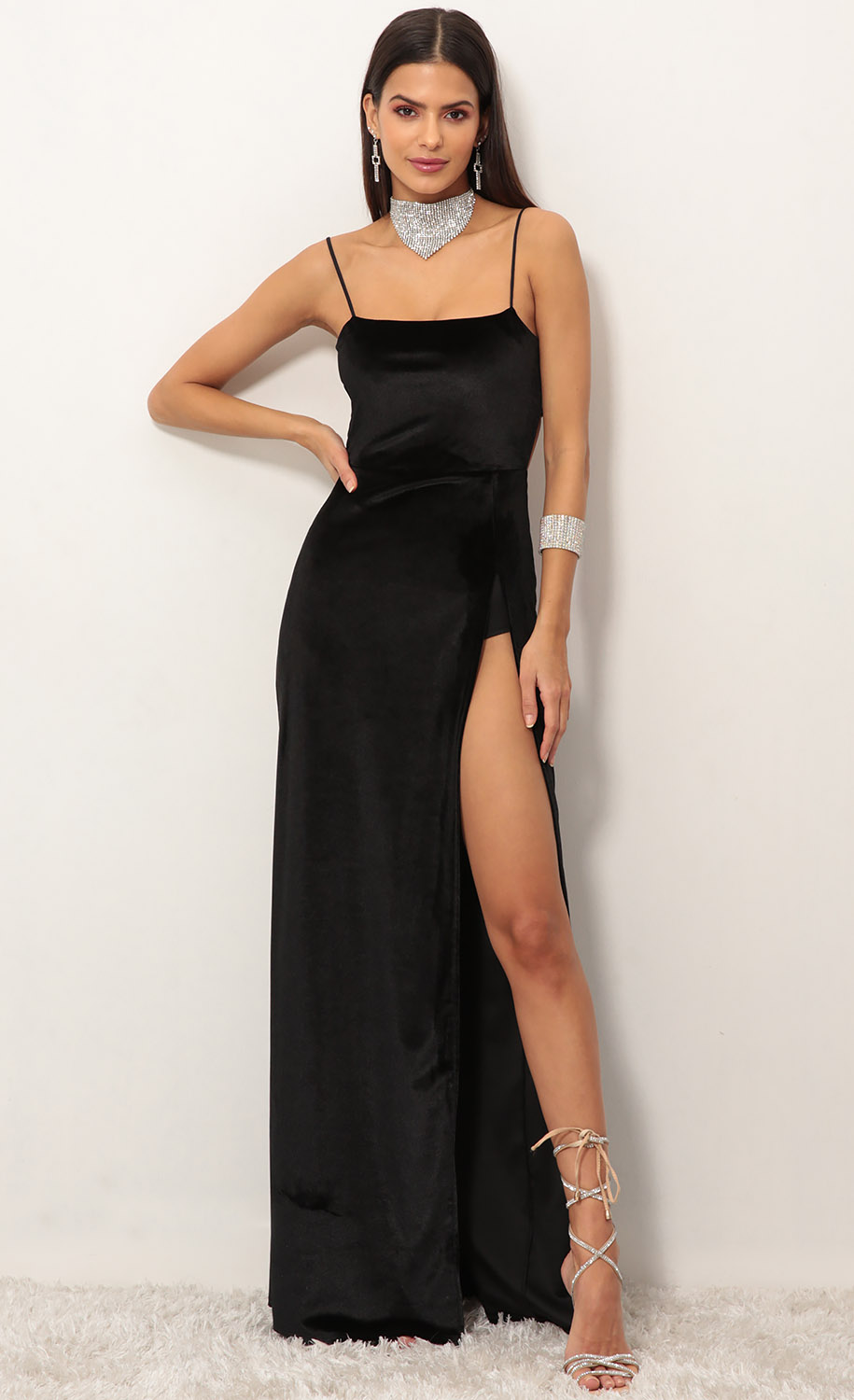 Giana Velvet Maxi in Black