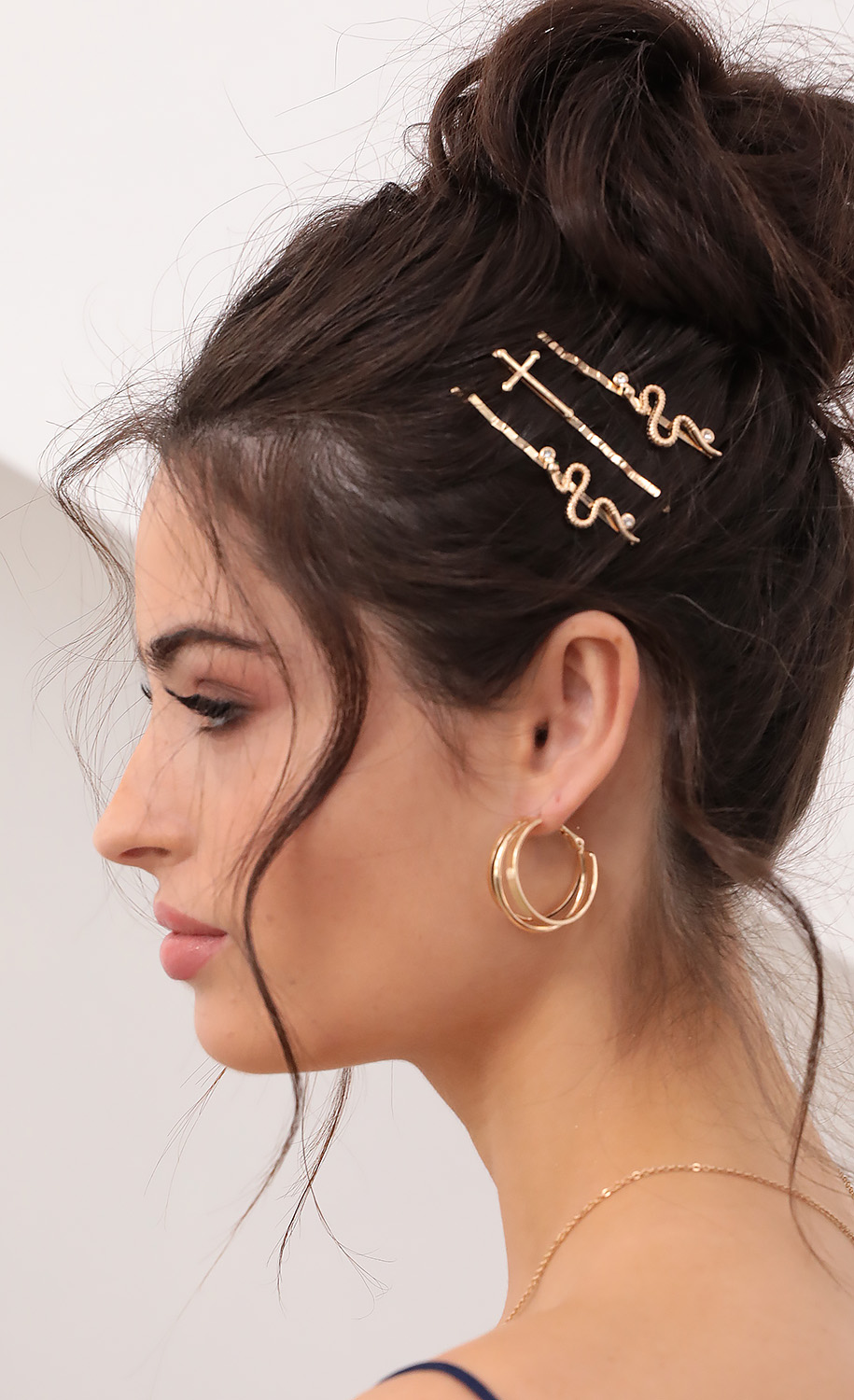 Picture Perfect Interlocking Hoops in Gold