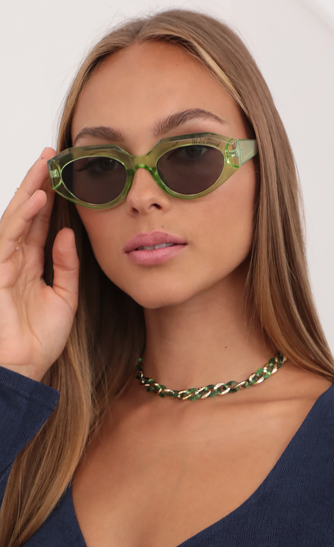 Franny Retro Sunglasses in Green