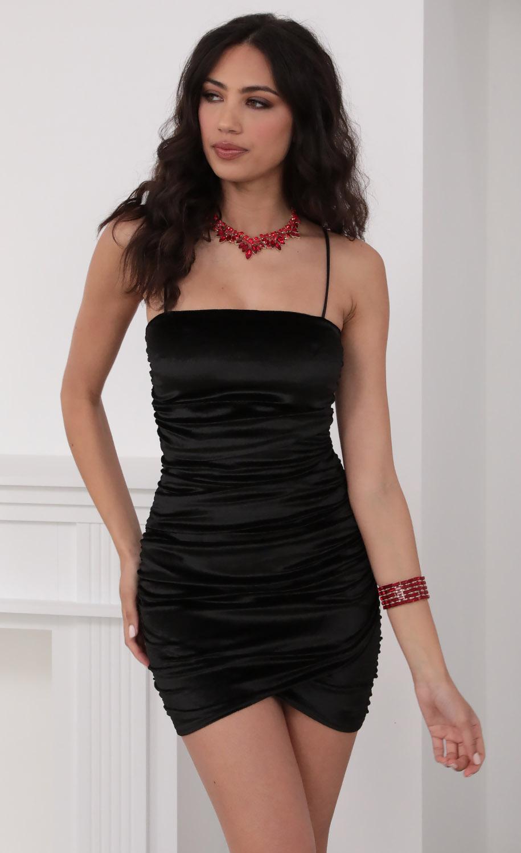 Day Dreamer Velvet Dress In Black