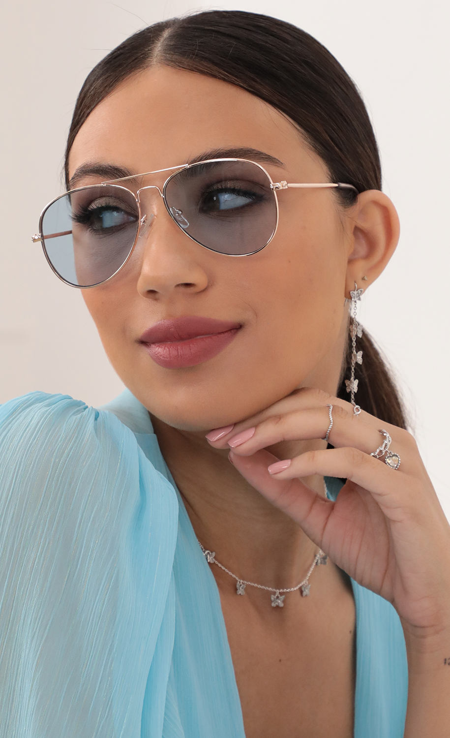 Iconic Retro Aviator Sunglasses in Light Blue