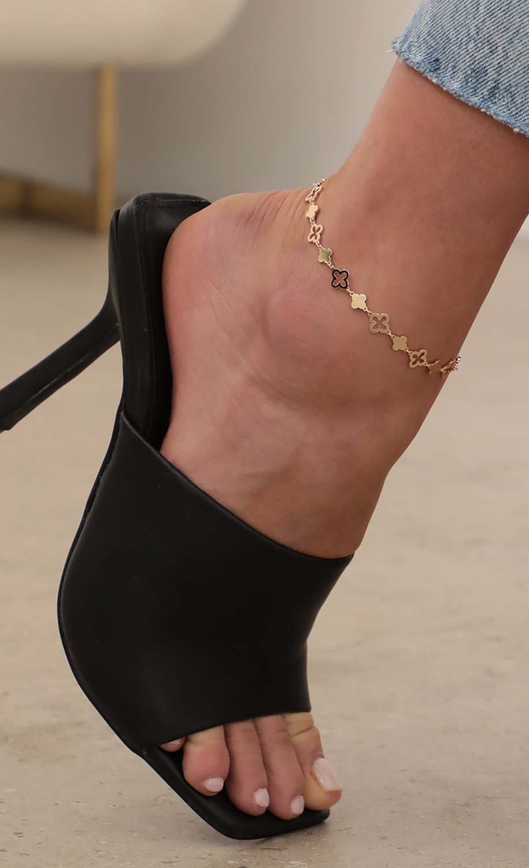 Quatrefoil Motif Gold Anklet