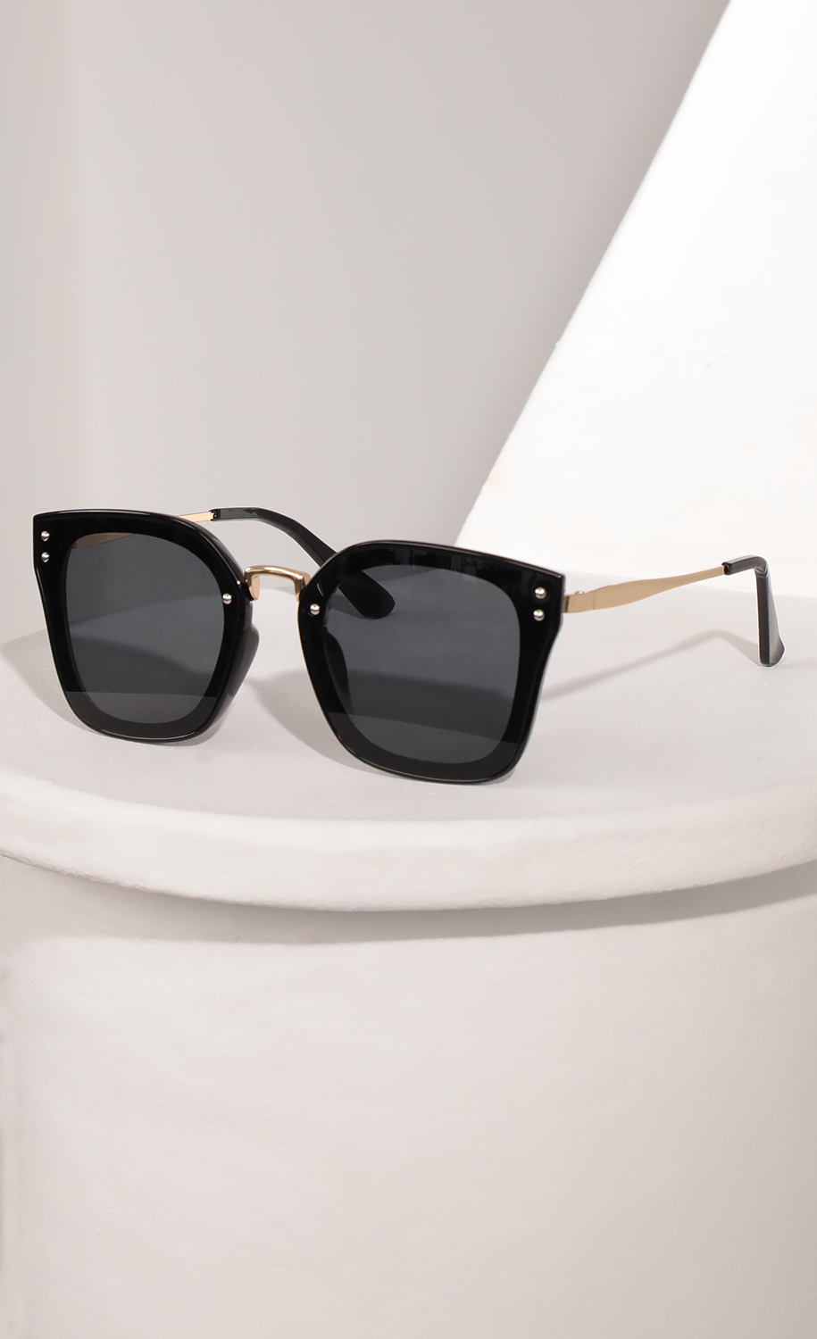 Luxe Square Sunglasses in Black