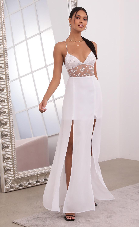Lovable Daisy Print Maxi Dress in White