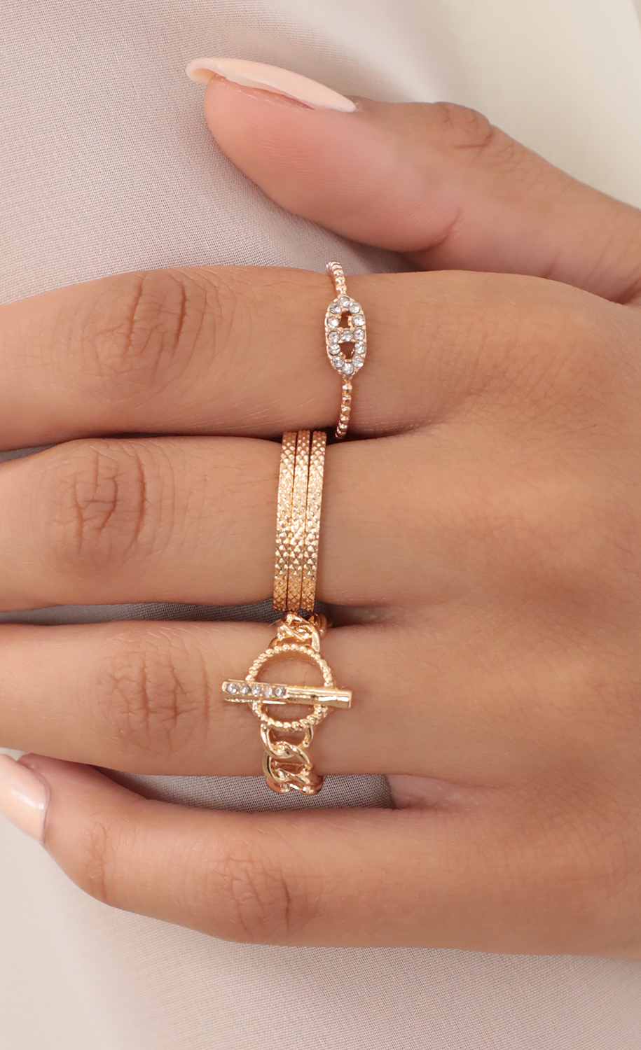 Toggle Clasp Ring Set in Gold