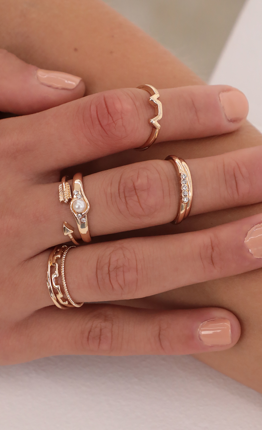 Arrow and Pearl Ring Set in Gold