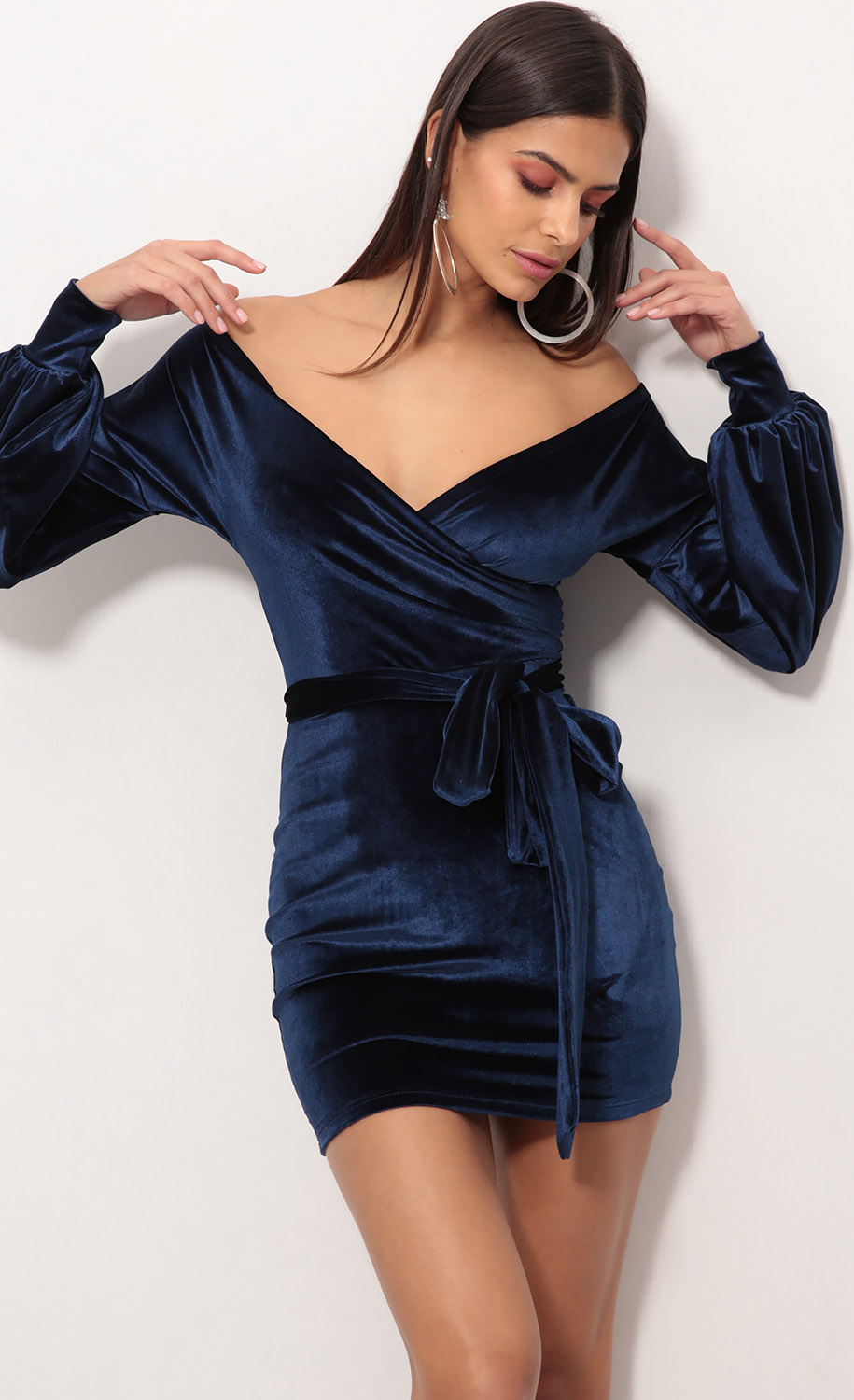 Adela Off The Shoulder Velvet Dress in Navy