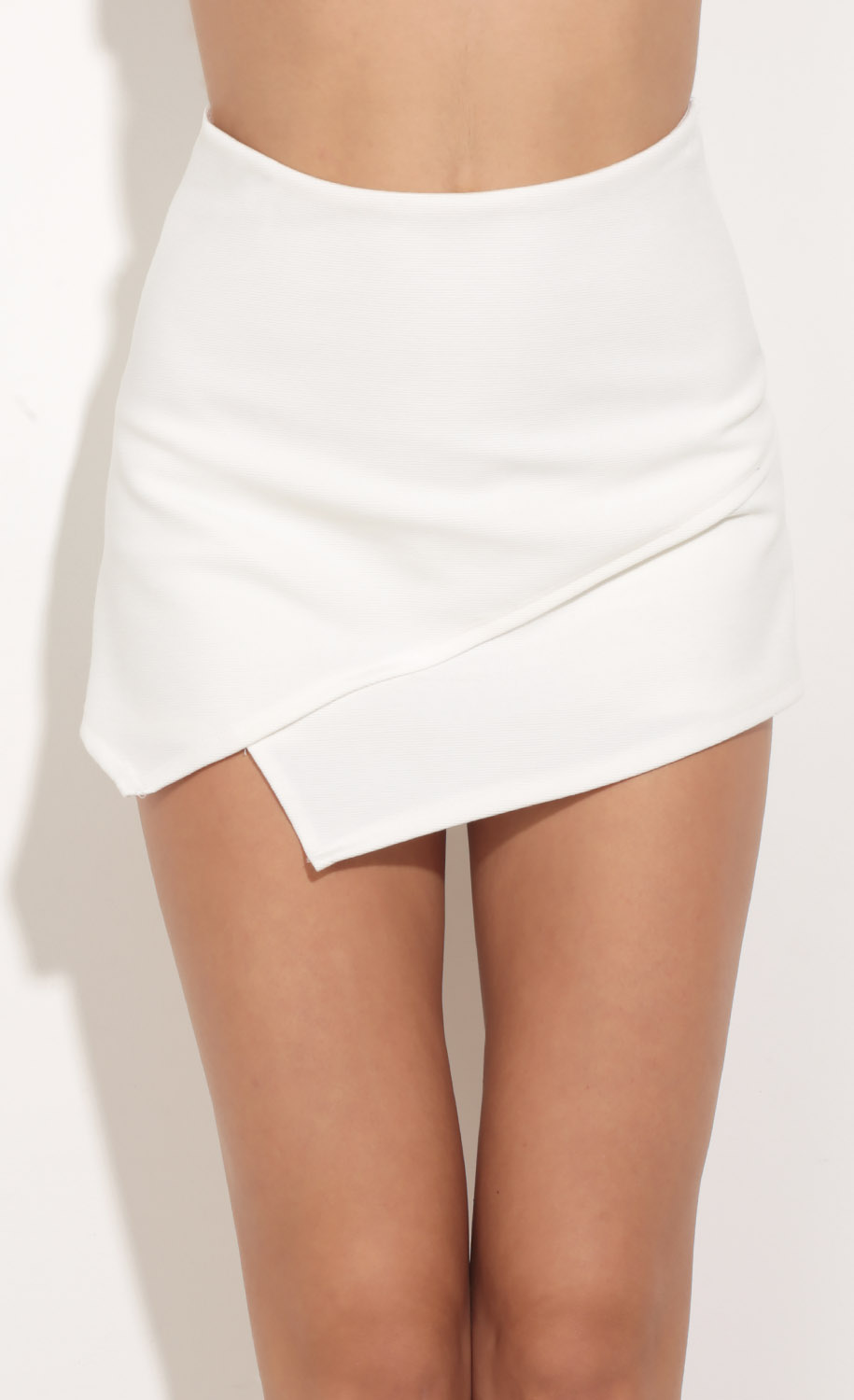 Asymmetric Skort In White