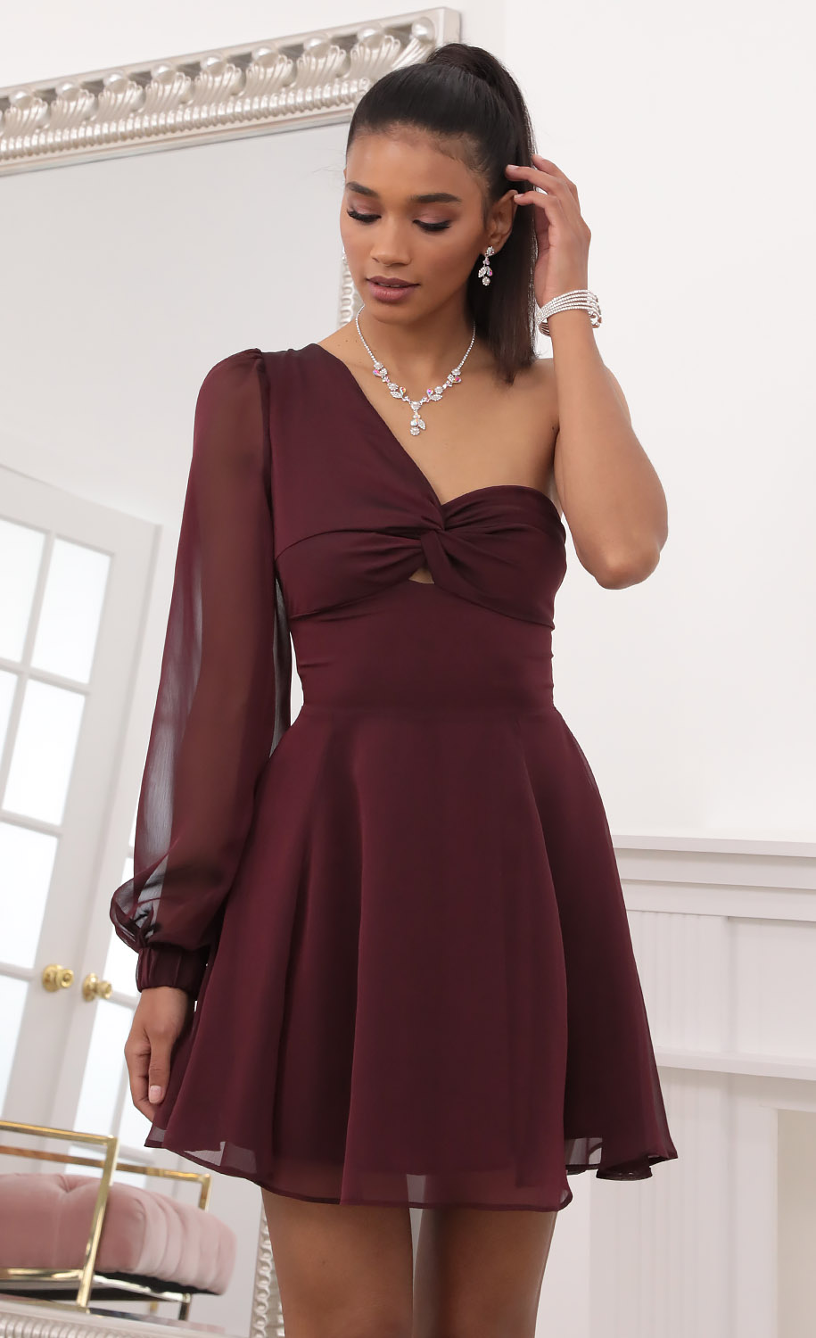 Kailyn Shoulder Puff A-line Dress in Burgundy