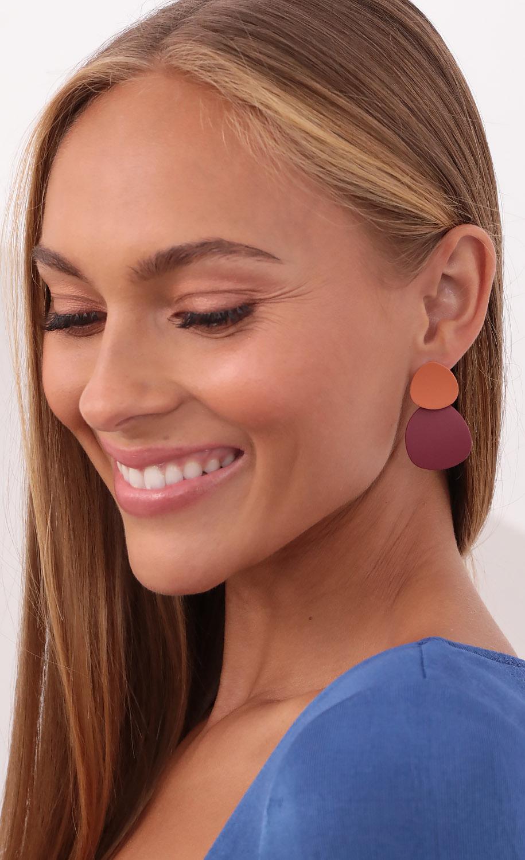 Groovy Gal Earrings in Burgundy and Orange